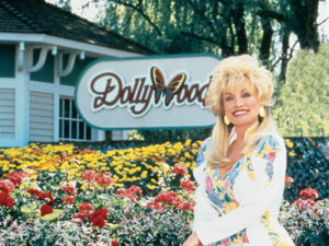 Dolly-Parton-at-dollywood