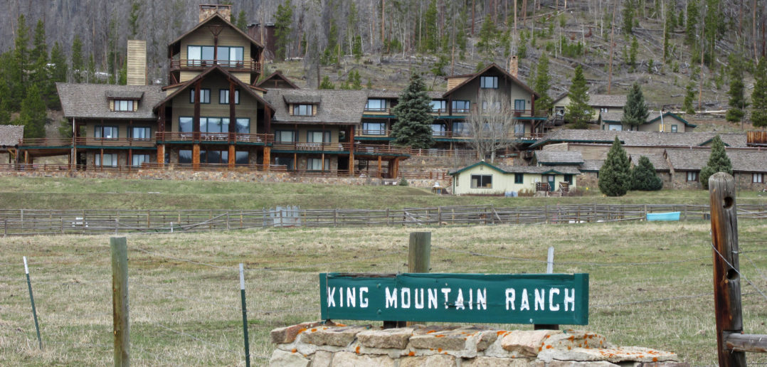 King-Mountain-Ranch-Front-Lawn-ftd