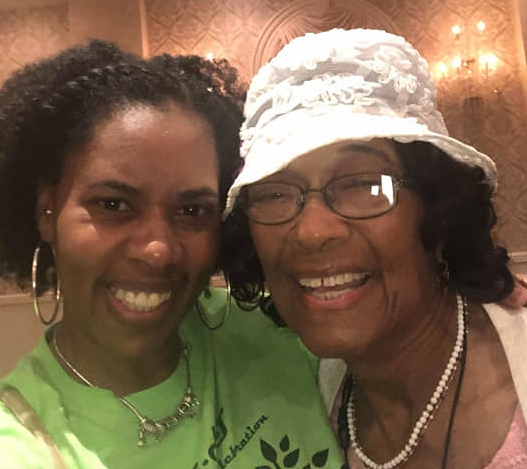 Rashema Smith and the oldest family member, Jerlene Fitzgerald who is 96 year old!